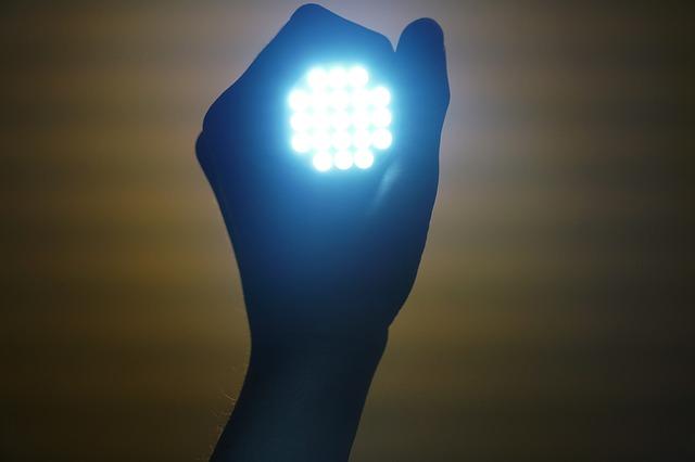Lanterne cu electrosocuri